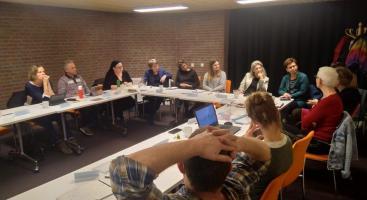 Afbeelding behorende bij Theater over onzichtbare armoede | Theater AanZ maakt voorstelling voor de gemeente Rheden