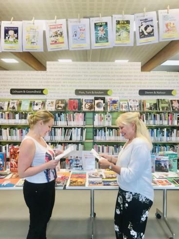 Afbeelding behorende bij Leerkrachten in actie tijdens kinderboekenweekfeest |