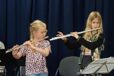 Afbeelding behorende bij Leerlingen Roncallischool maken méér Muziek-in-de-klas!  