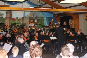 Afbeelding behorende bij Velpse Accordeon Vereniging | Iedereen speelt op zijn eigen niveau accordeon